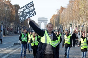 Yellow vests protesting fuel tax